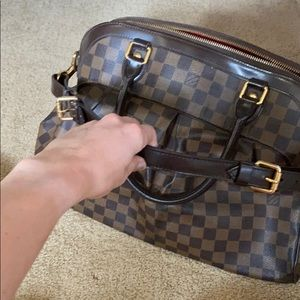 Louis Vuitton Bags - Used but amazing bag